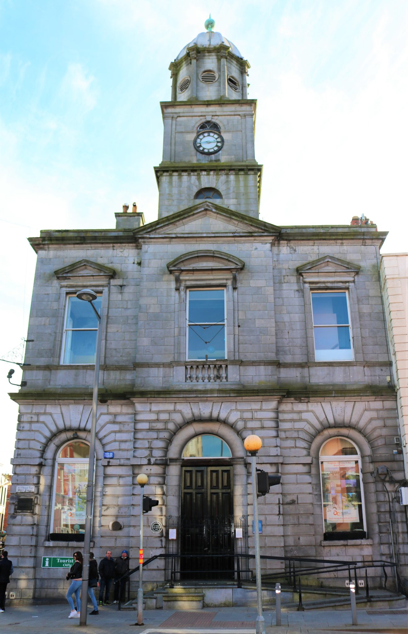 'A large, handsome town': Drogheda's architecture in the long 18th century
